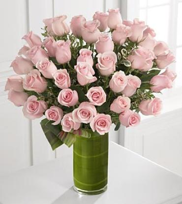 Delighted Luxury Rose Bouquet - 24-inch Premium Long-Stemmed Ros